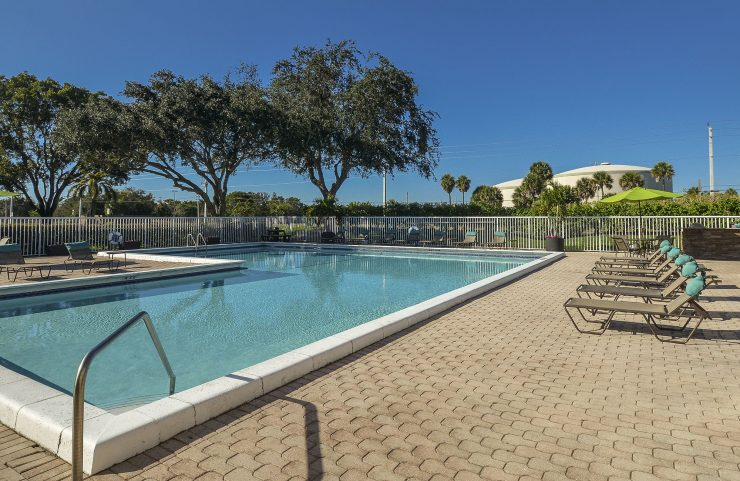 where to live in plantation fl